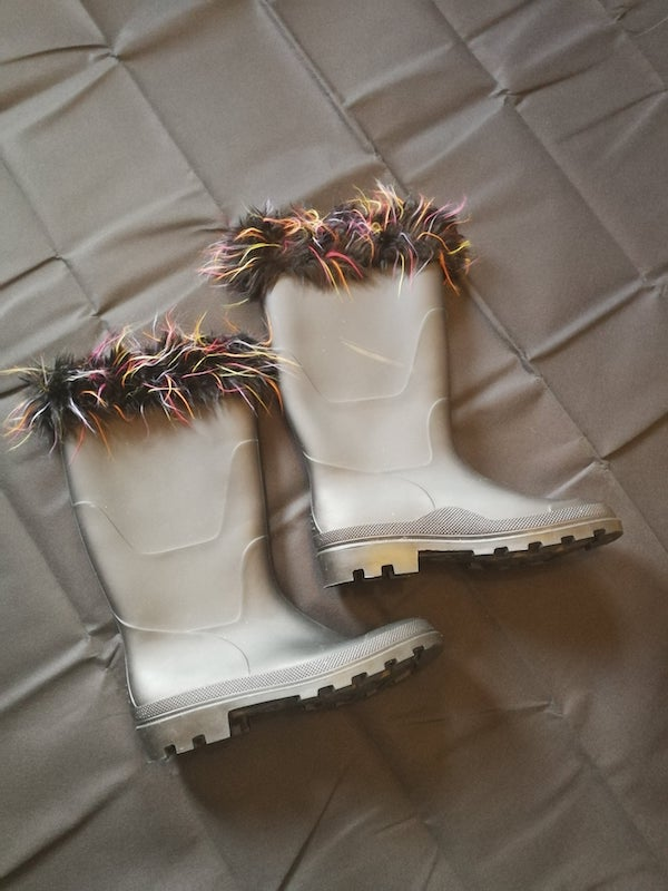 black wellies with multi fur trim