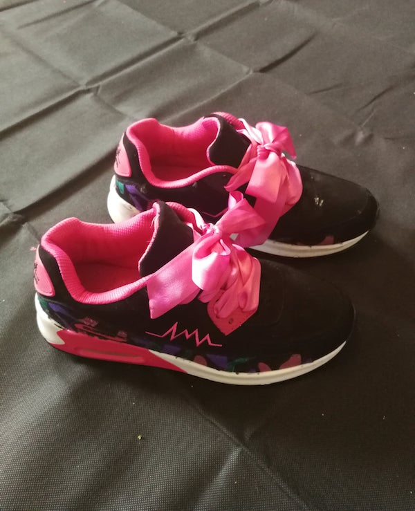 black fashion trainers with pink ribbon laces (preloved)
