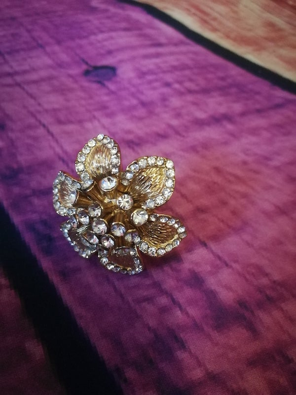 gold flower diamante flower ring