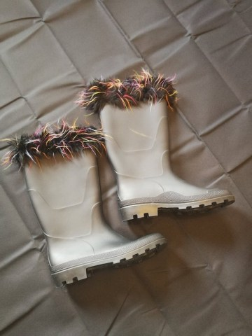 black wellies with fur trim